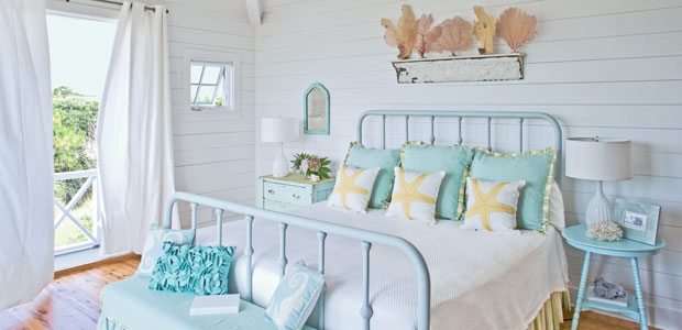 small bedroom with white wall